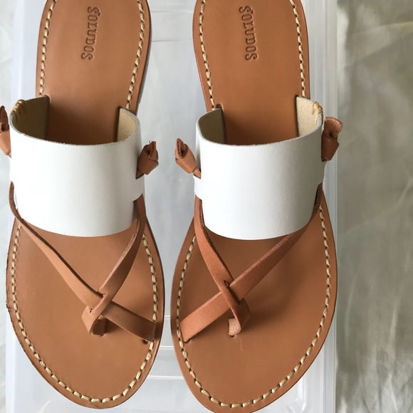 471179bfaa2e Soludos white slotted thong sandals. M 5b931be9409c155027085d3a